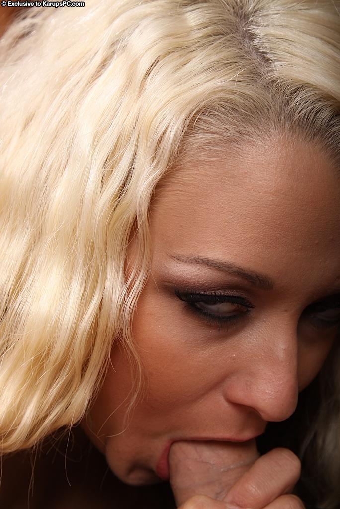 Большегрудая блонди с невероятной попой Brandy Blair обожает секс